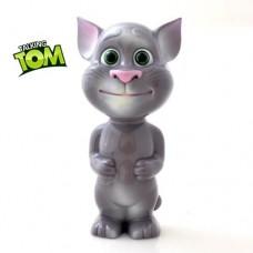 Tom pisica vorbareata
